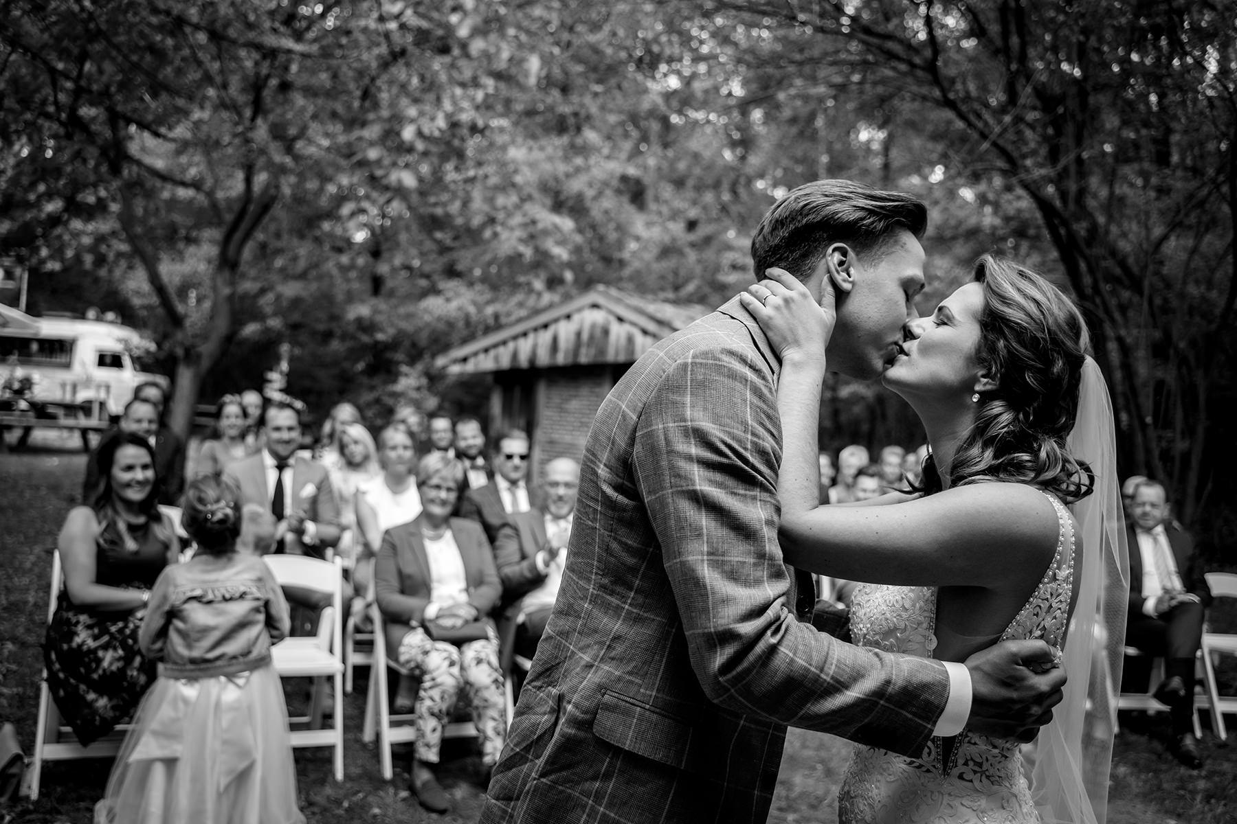 Indra Simons bruidsfotograaf Enschede