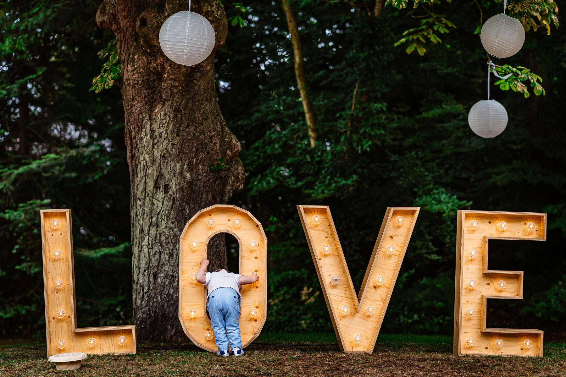 Grappige trouwfoto | Beste bruidsfotografie | Mooiste trouwfoto
