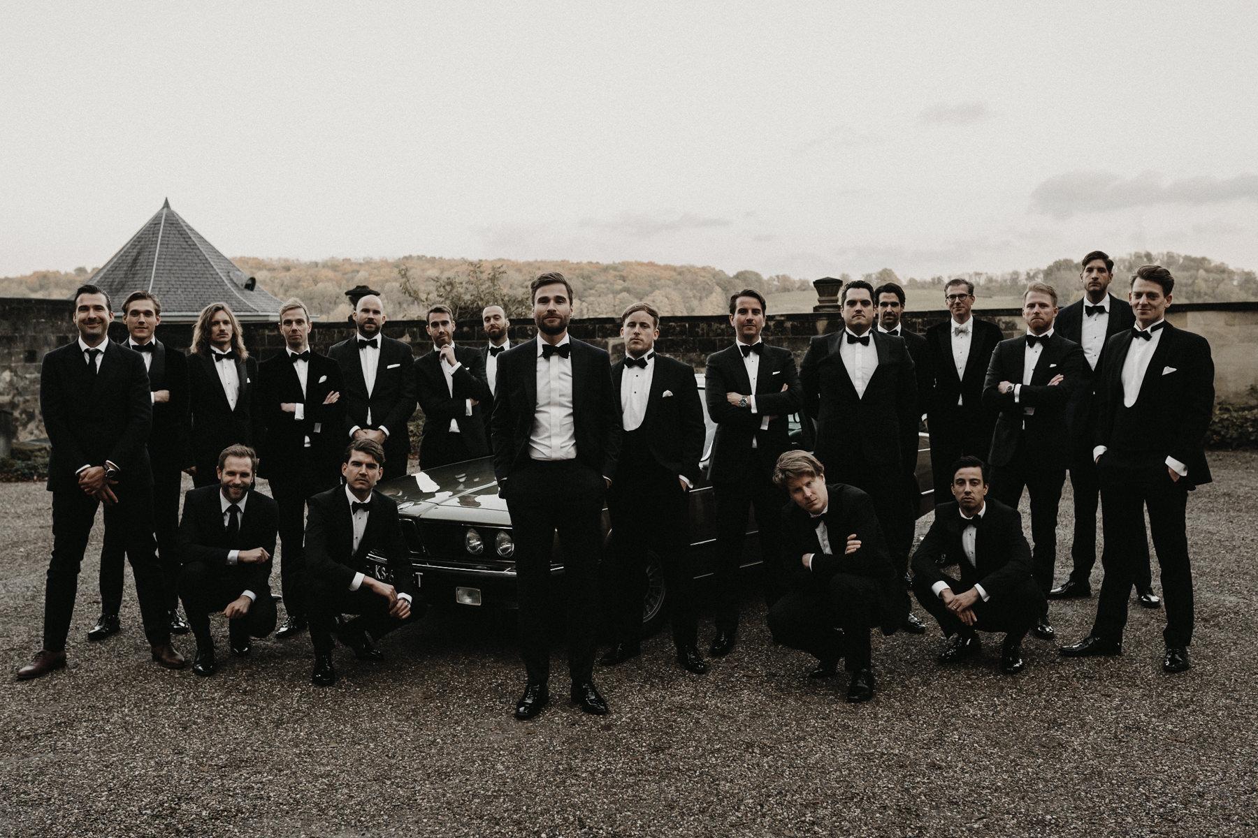 Originele trouwfoto| Mooiste trouwfoto | Beste bruidsfotografie | Groepsfoto bruiloft