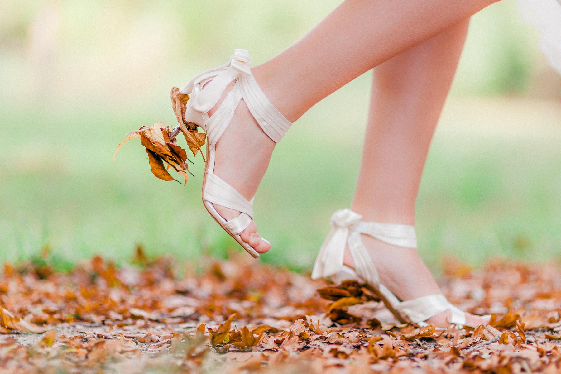 Trouwen in de herfst | Trouwen in het bos | Trouwfotoshoot in het bos | Herfstbruiloft inspiratie