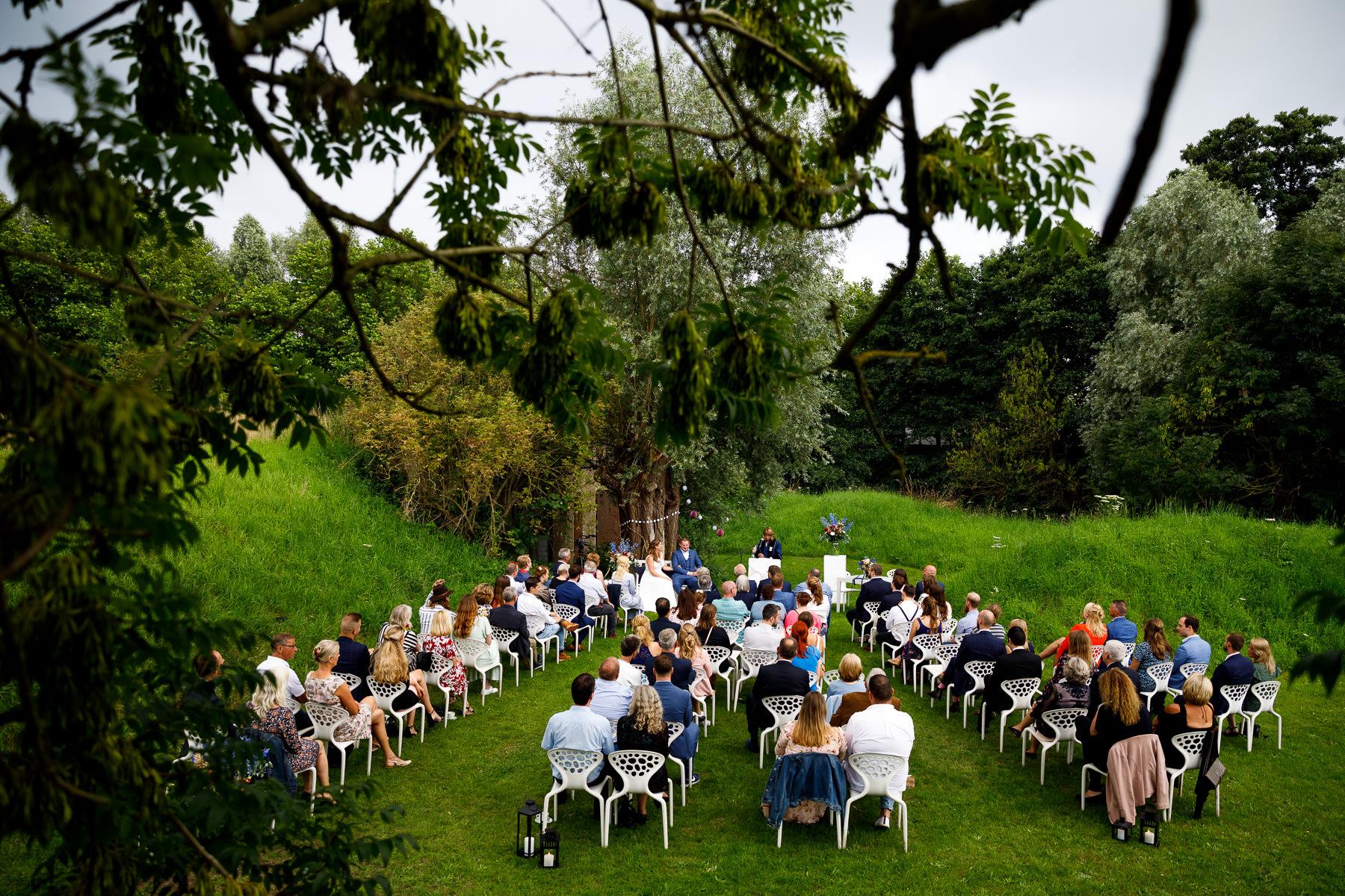 Coronabruiloft | Trouwceremonie | Anderhalvemeter bruiloft | Social distance