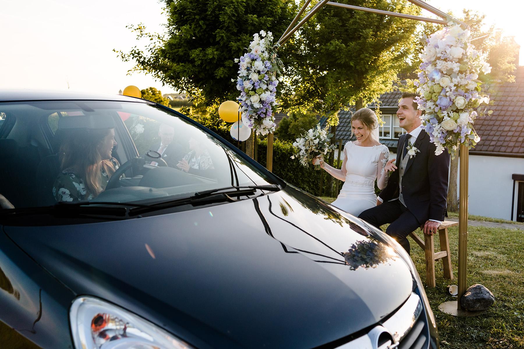 Coronabruiloft | Trouwen in coronatijd | Drive in bruiloft