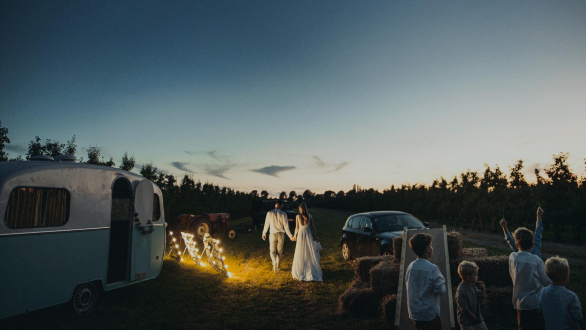Corona bruiloft | Trouwen in coronatijd | Anderhalvemeter | Social distance