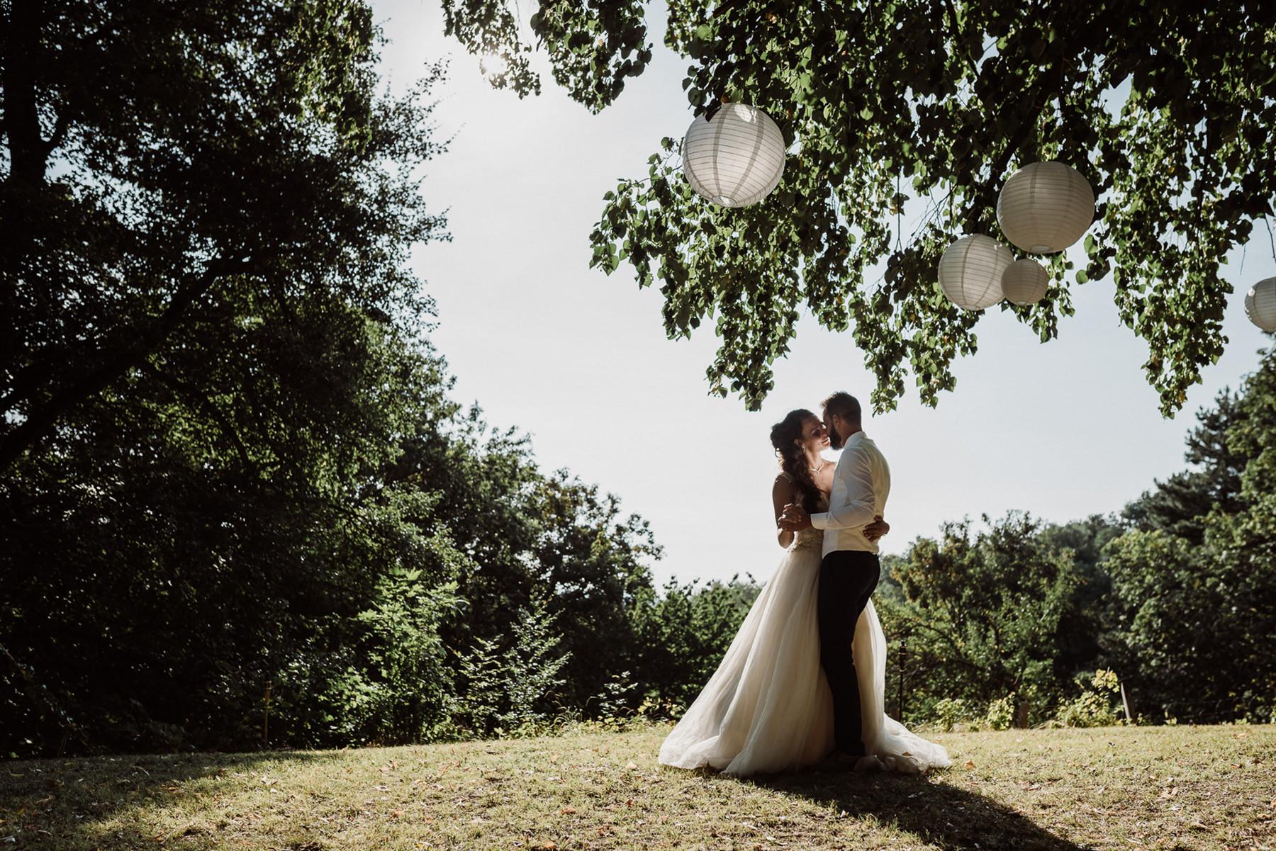 Zomerbruiloft   Buiten trouwen   Trouwfotoshoot