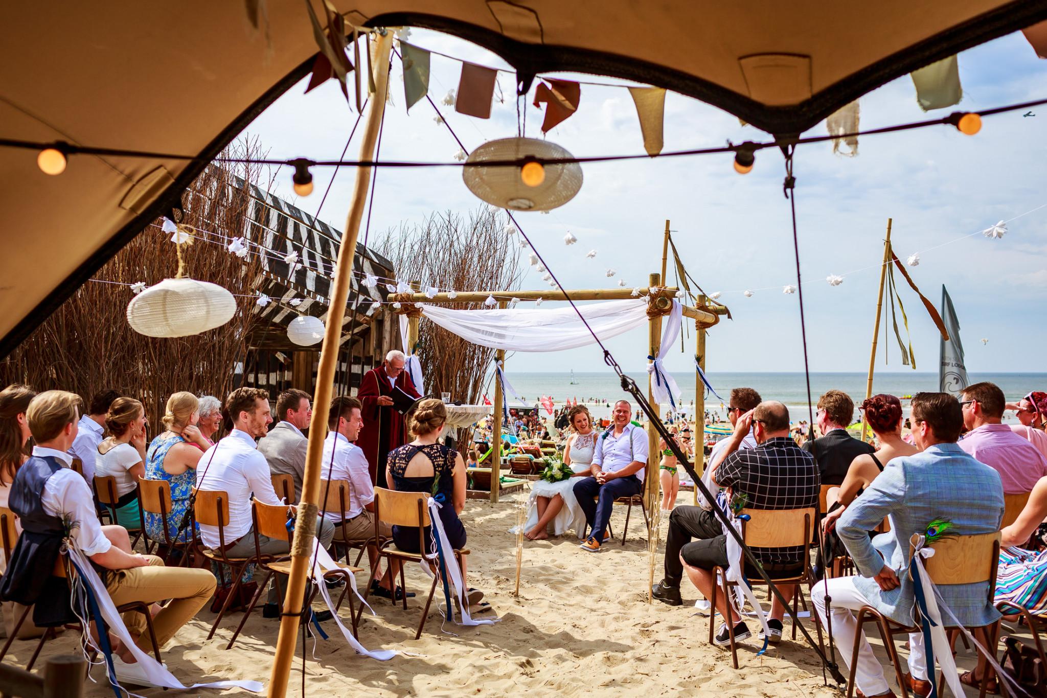 Strandbruiloft   Trouwen op het strand   trouwceremonie strand   Safari lodge bruiloft